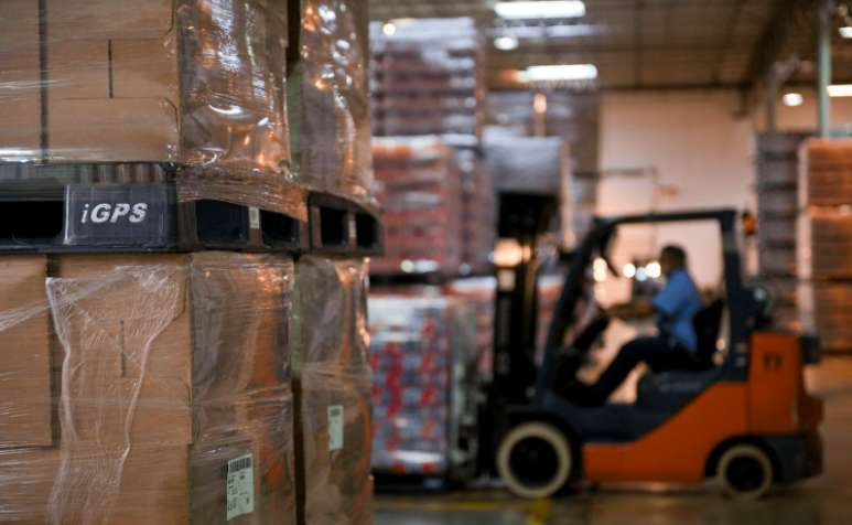How to Reduce Product Damage in the Warehouse with Plastic Pallets