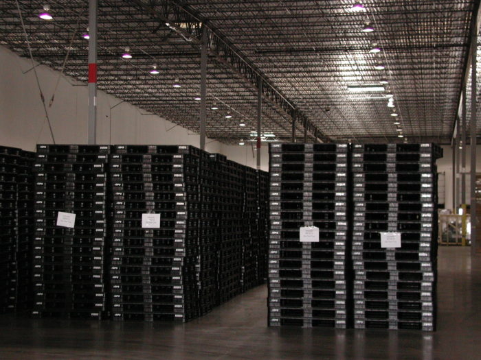 Plastic pooled pallet rental programs offer the most durable and reliable pallets.