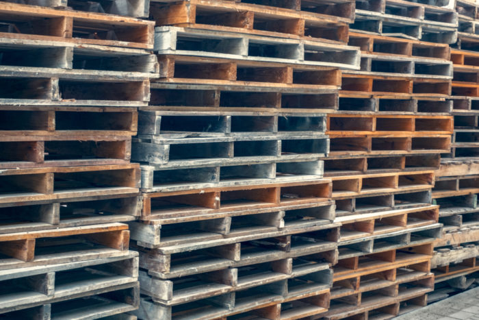 Bulk wood pallets cost less