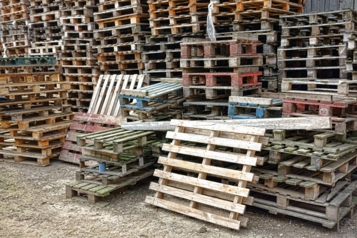 Wood block pallets cost more than stringer pallets