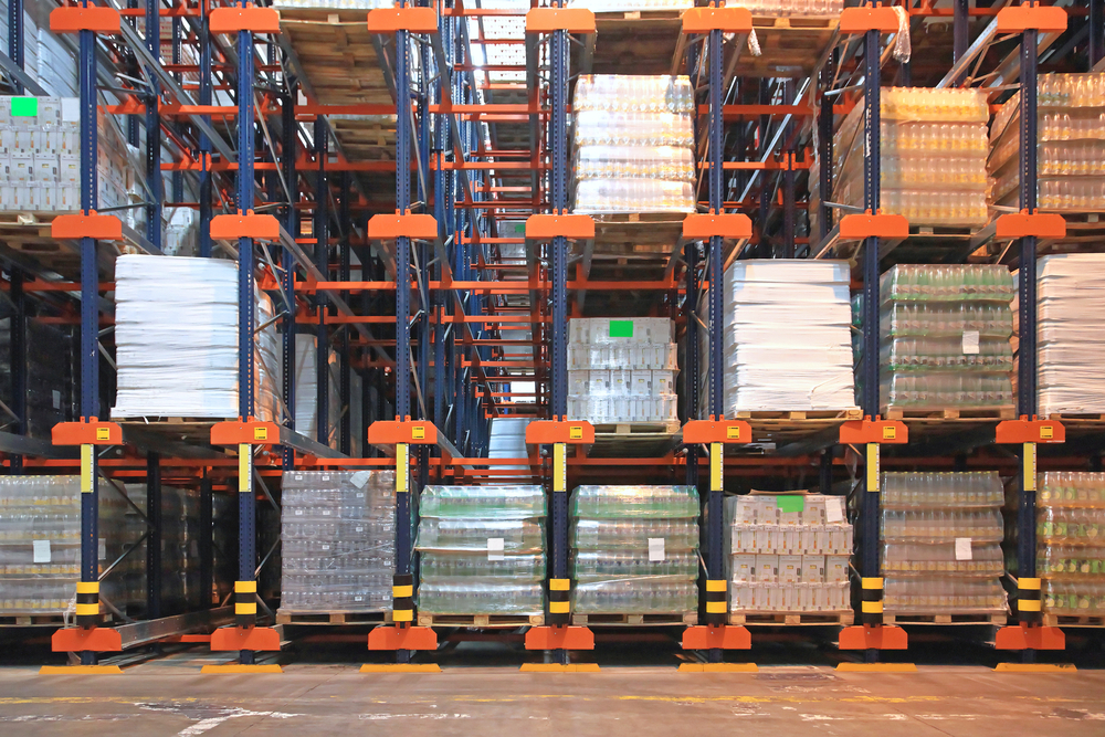 Automated pallet racking in a warehouse facility