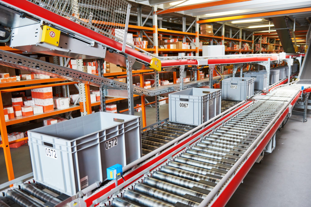Conveyor shows warehouse automation trends at work